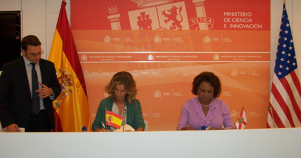 Jennifer and Dr. Cristina Garmendia, Spain's Minister of Science and Innovation, sign Memorandum of Agreement with the Kingdom of Spain for University of Florida to collaborate with satellite manufacturing